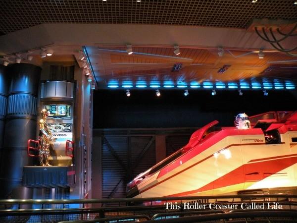 C3PO and Starspeeder 1000