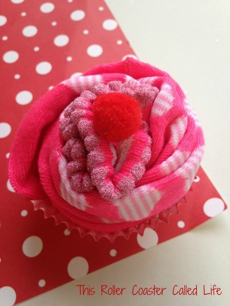 Putting the Valentines Sock Cupcake Together