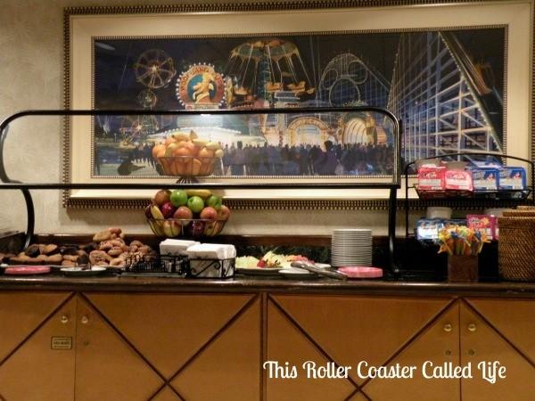 Disney Paradise Pier Hotel Beach Comber Club 2