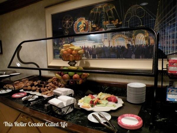Disney Paradise Pier Hotel Beach Comber Club 3