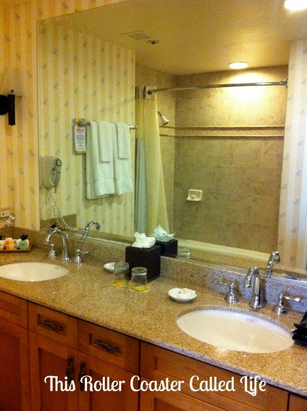Disney Paradise Pier Hotel Family Suite Bathroom 2
