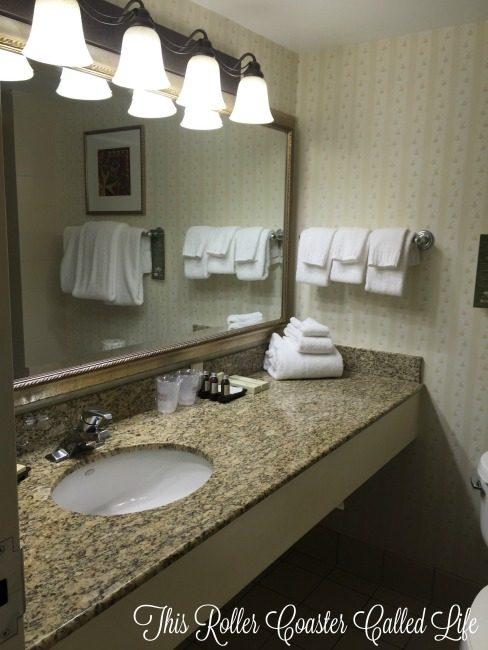 Hershey Lodge Room Bathroom