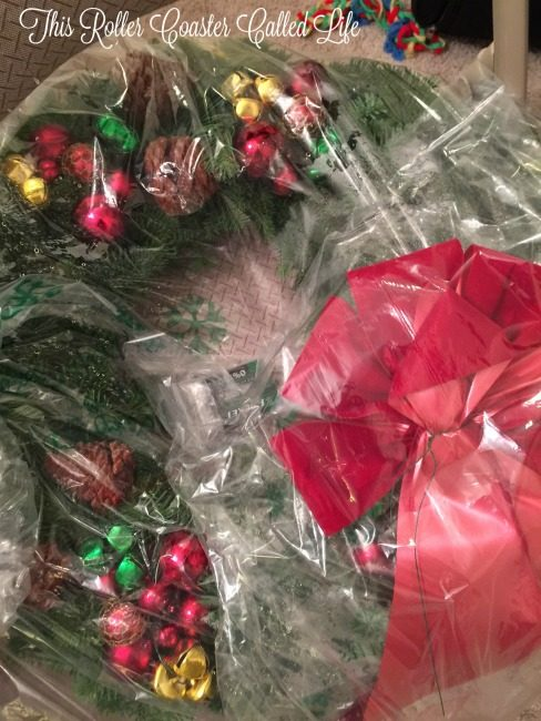 christmas-forest-wreath-unboxing-1