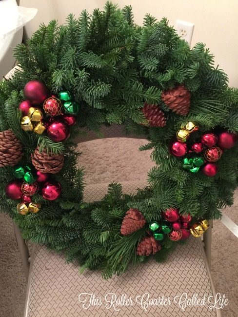 christmas-forest-wreath-unboxing-3