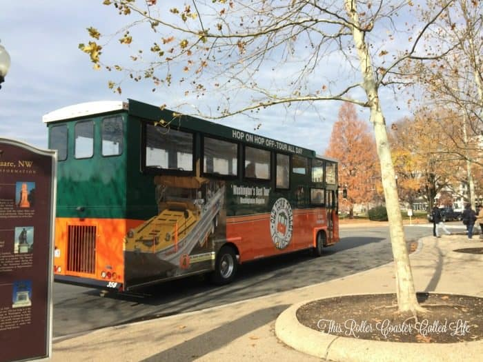 old-town-trolley-arrives